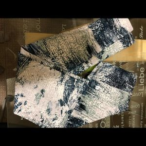 Fabletics power hold Salar legging in fossil print